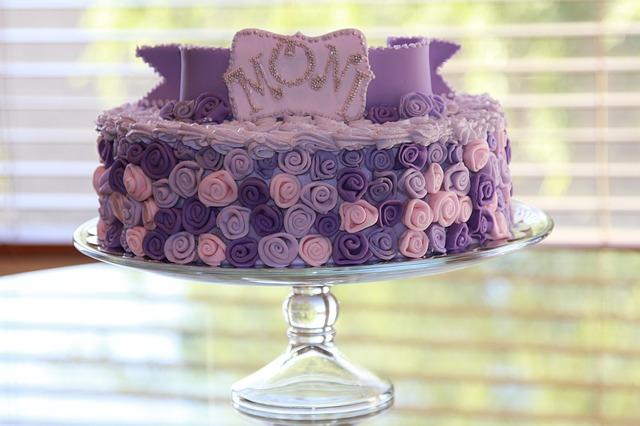 Narozeninový dort? A co jej vyrobit doma a levněji!